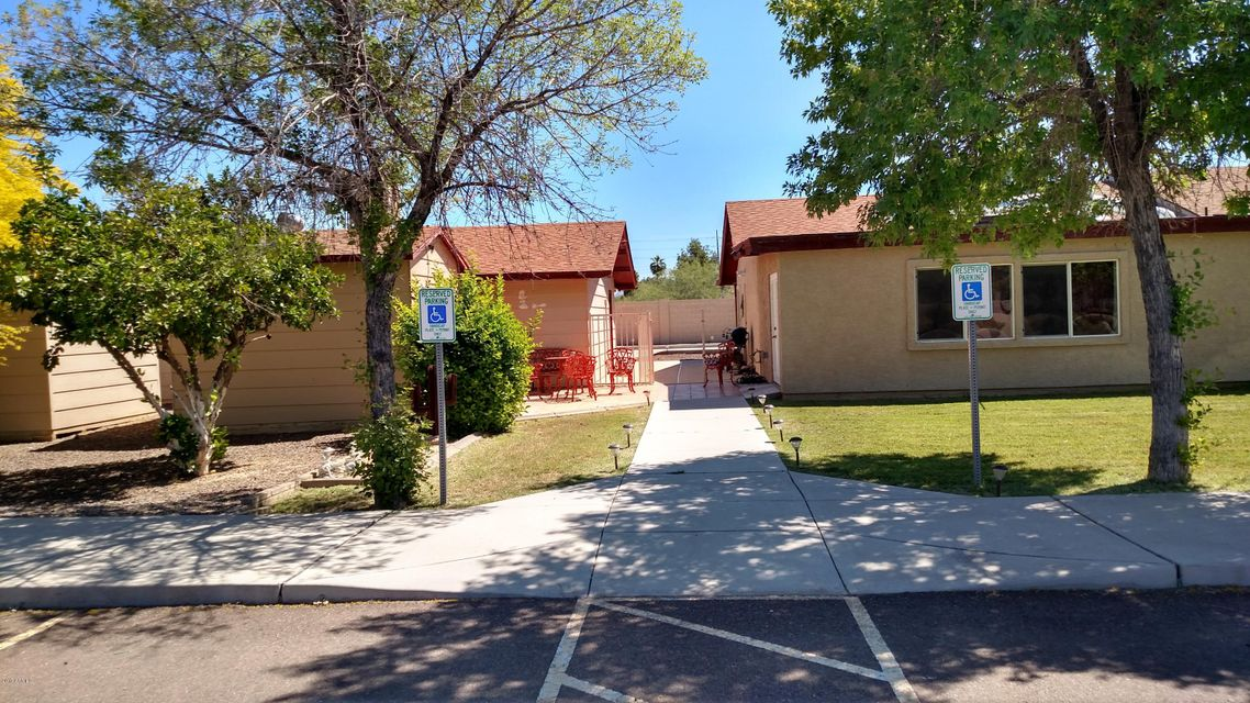 3736 W WAHALLA Lane, Glendale, AZ 85308