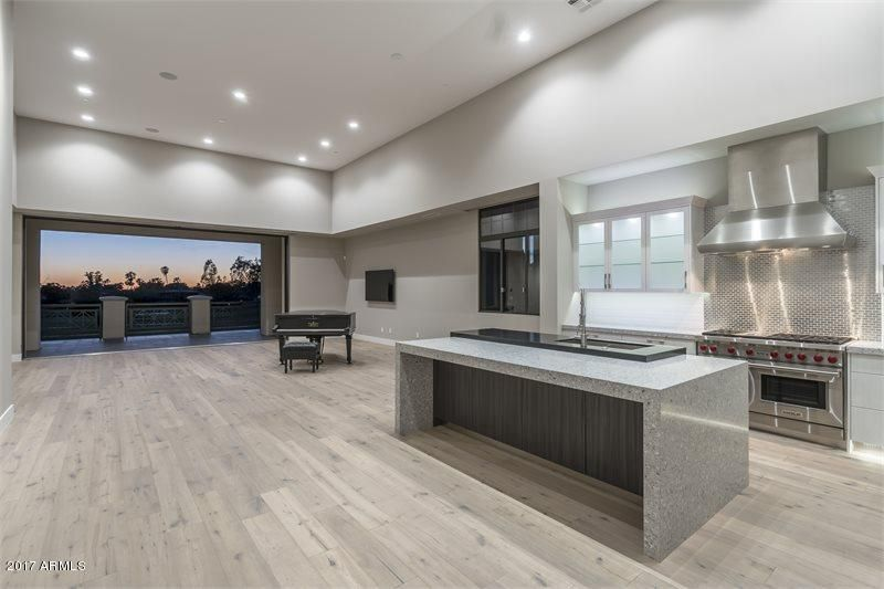 2 BILTMORE Estate 206, Phoenix, AZ 85016