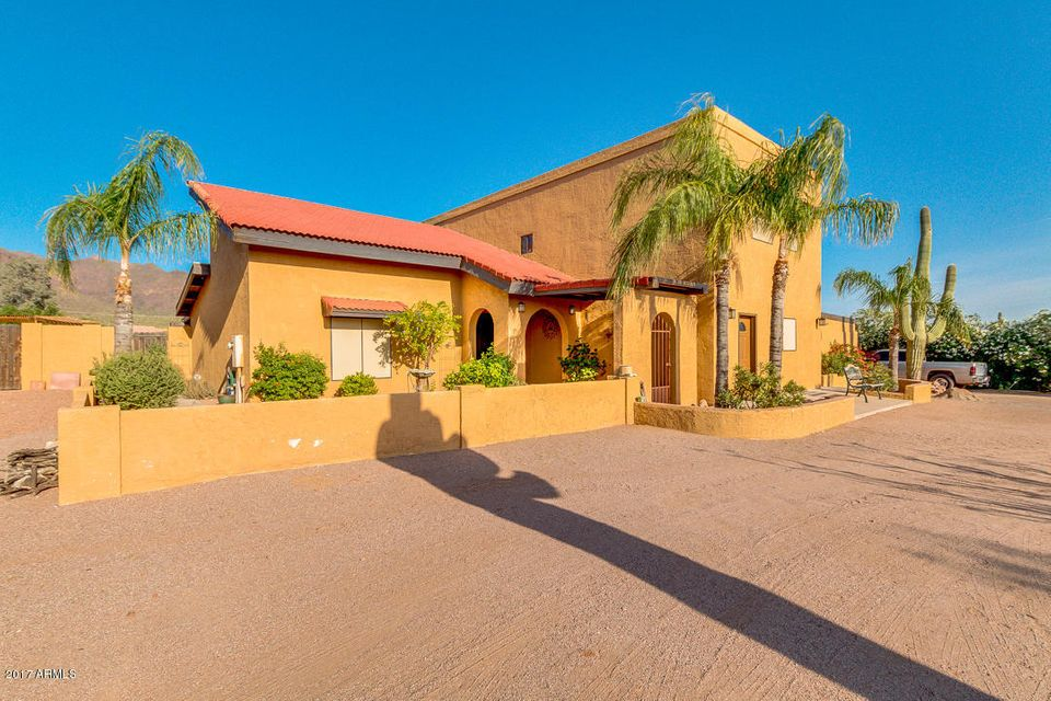 527 N AL SIEBER Road, Apache Junction, AZ 85119