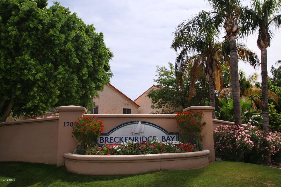 1700 E LAKESIDE Drive 16, Gilbert, AZ 85234