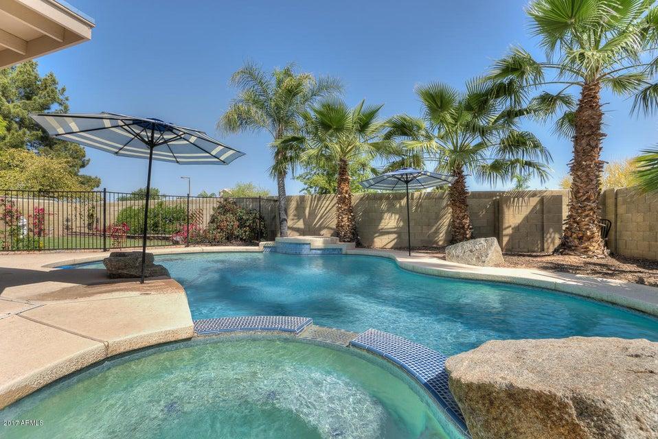 332 W BRISA Drive, Gilbert, AZ 85233