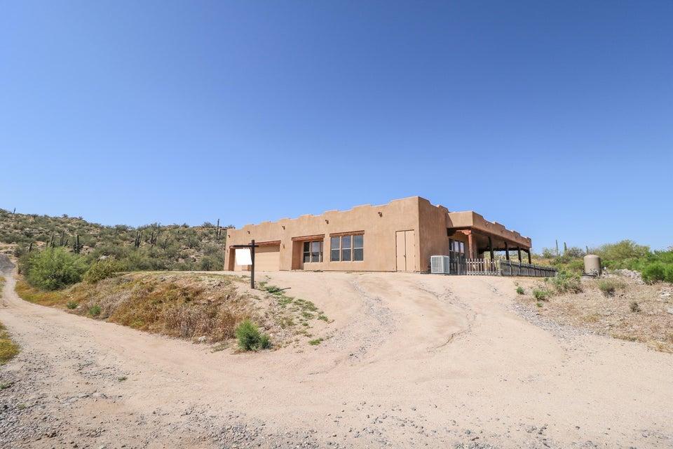916 E BLUE WASH Road, New River, AZ 85087