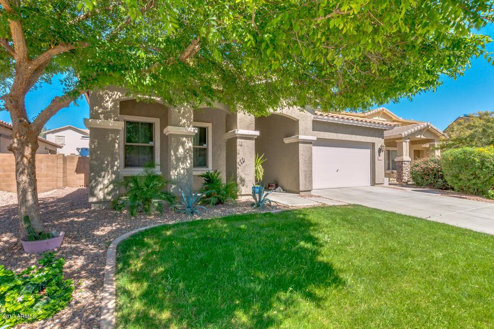 17320 W Woodrow Ln, Surprise, AZ 85388