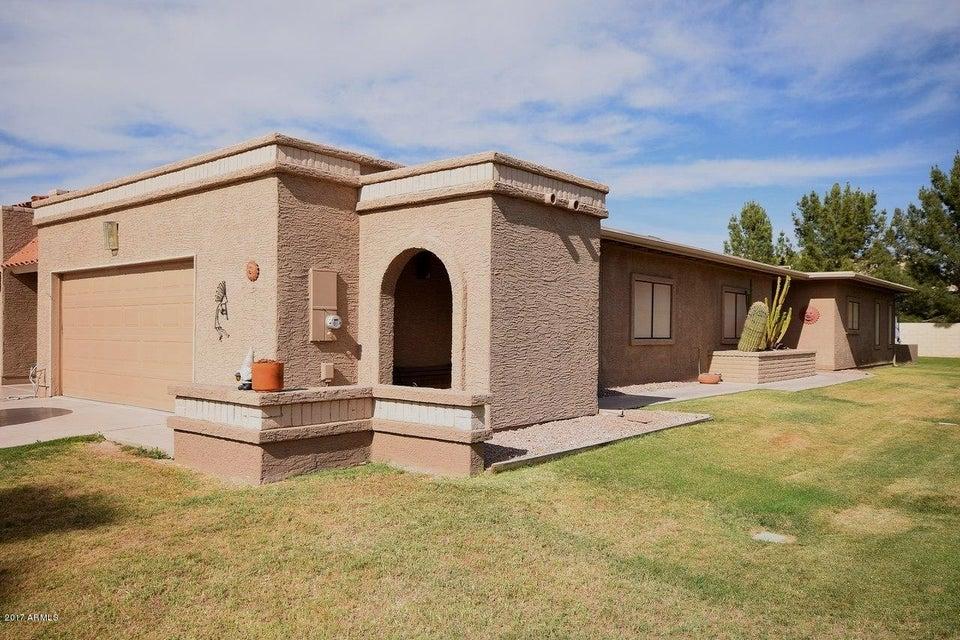 25233 S SADDLETREE Drive, Sun Lakes, AZ 85248
