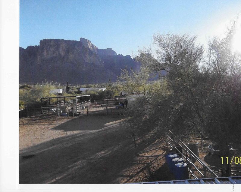 5284 E PIONEER Street, Apache Junction, AZ 85119
