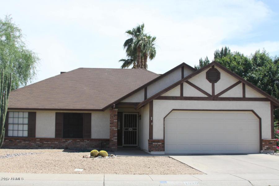1525 W LOUGHLIN Drive, Chandler, AZ 85224