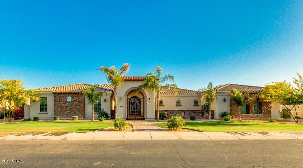 4303 E LIBRA Place, Chandler, AZ 85249