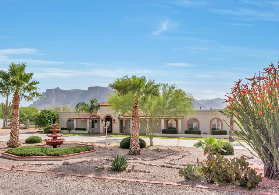 959 N ROADRUNNER Road, Apache Junction, AZ 85119