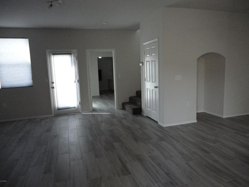 Photo 3 for Listing #5597627