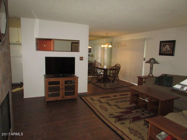 5525 E THOMAS Road J8, Phoenix, AZ 85018