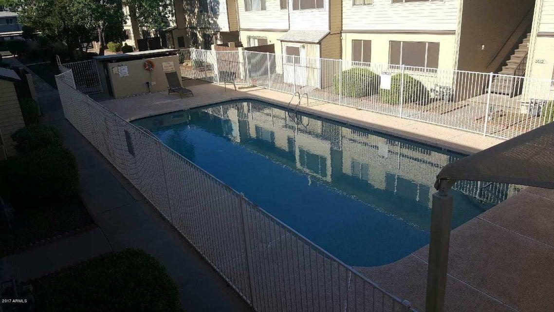 MLS 5598063 2602 W berridge Lane Unit C212, Phoenix, AZ Phoenix AZ Affordable