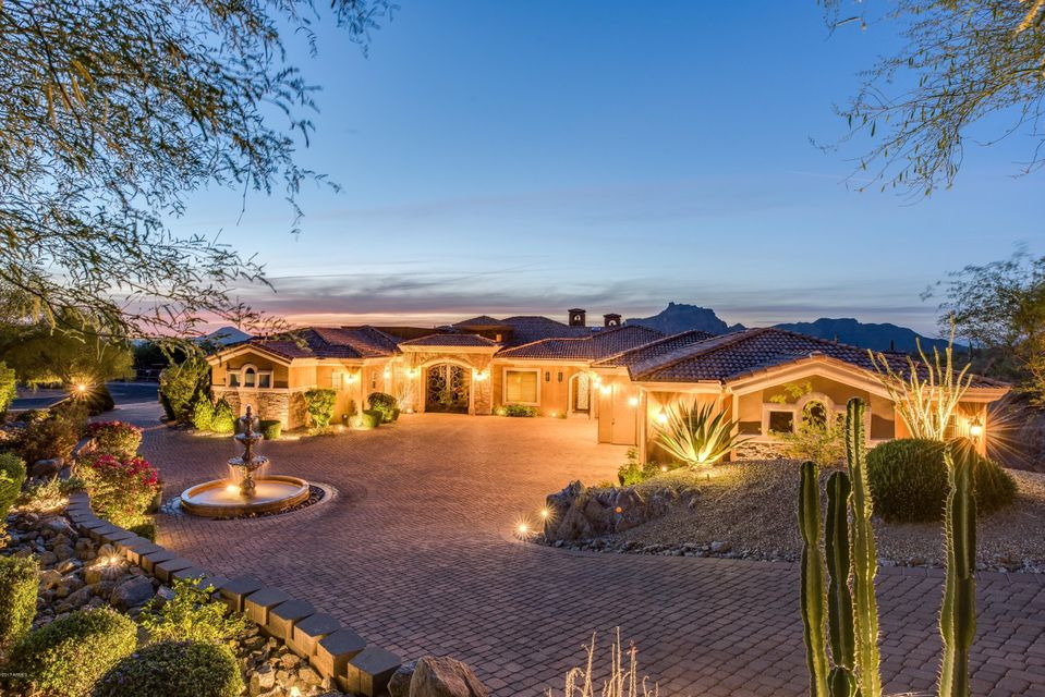 Photo of 4330 N BRIGHTON Circle, Mesa, AZ 85207