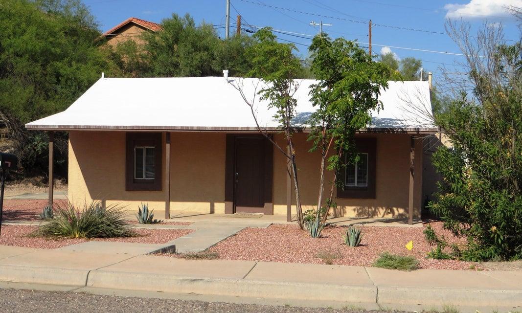 585 WHIPPLE Court, Wickenburg, AZ 85390