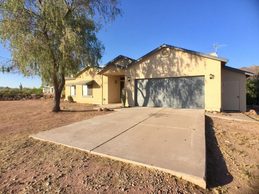 621 S SIXSHOOTER Road, Apache Junction, AZ 85119