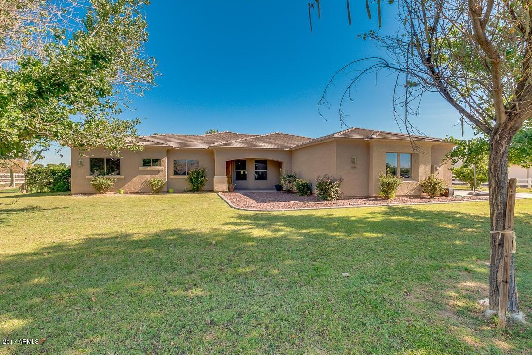 17818 W Stella Lane, Waddell, AZ 85355