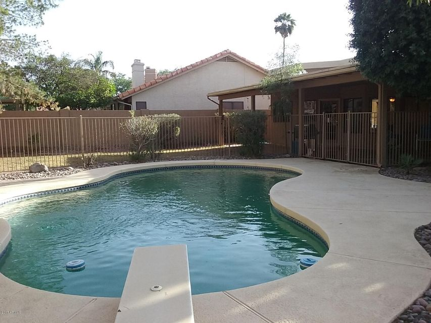 1031 S CAPISTRANO Drive, Gilbert, AZ 85233