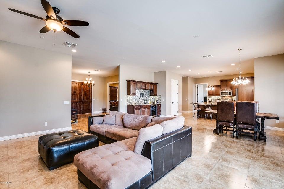4628 W GREENWAY Road, Glendale, AZ 85306
