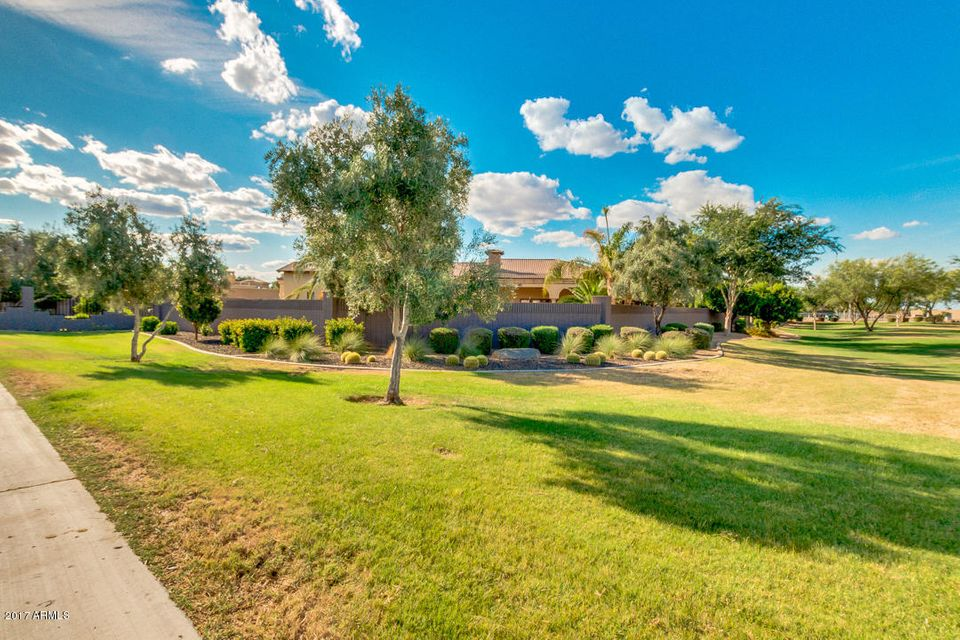MLS 5605115 2815 E Carob Drive, Chandler, AZ Chandler AZ Luxury Guest House