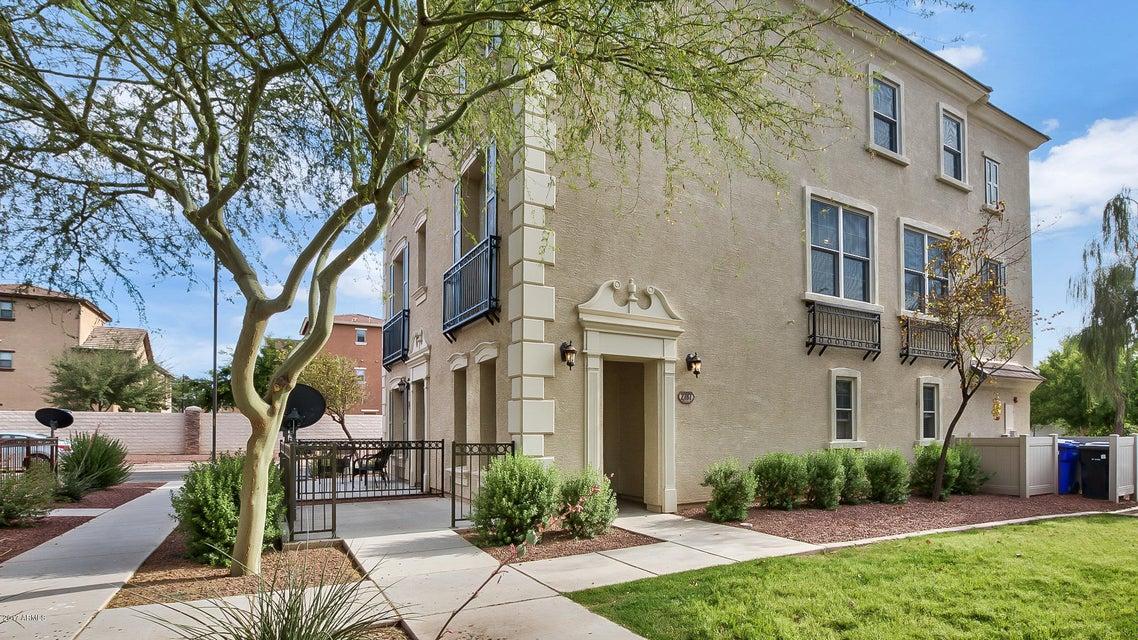 2787 S HARMONY Avenue, Gilbert, AZ 85295