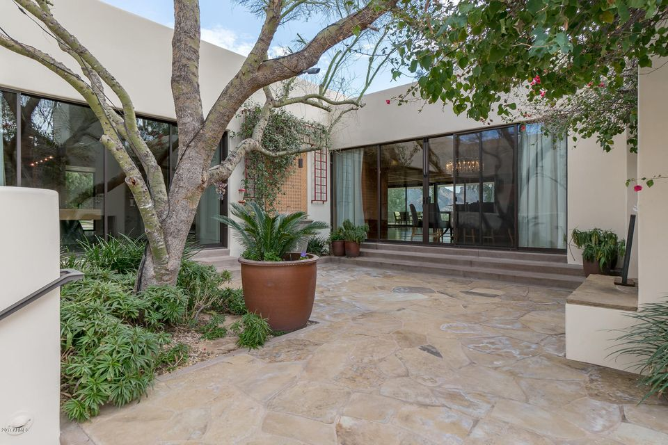 Additional photo for property listing at 7120 N 46th Street  Paradise Valley, Arizona,85253 United States