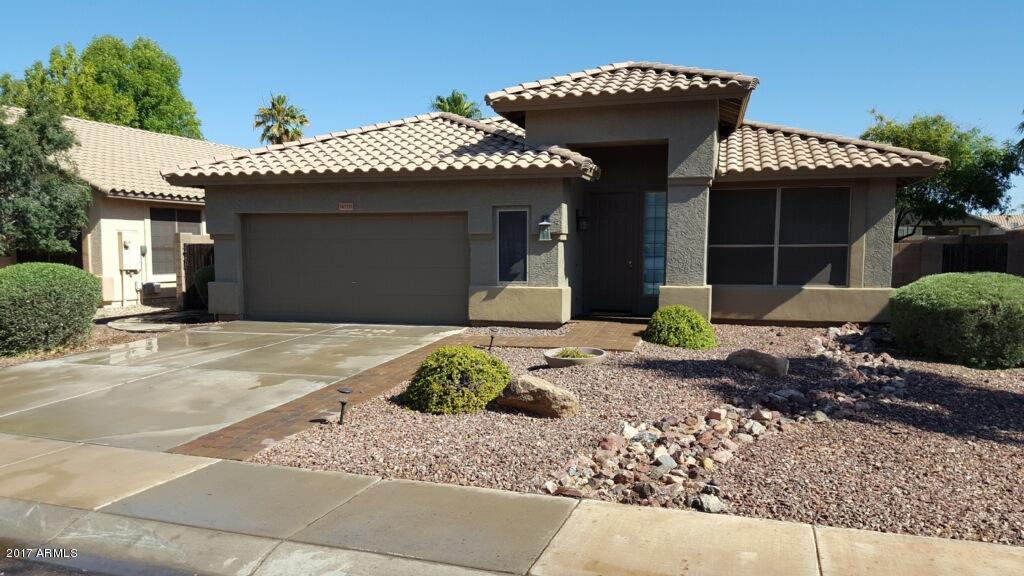 9020 W RUNION Drive, Peoria, AZ 85382