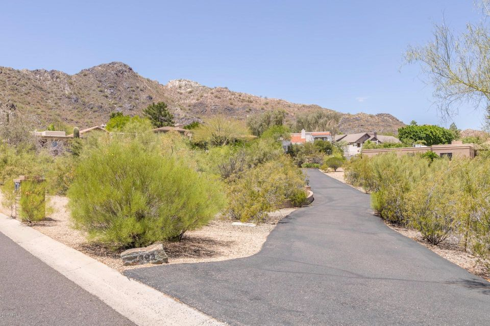 2206 E MOUNTAIN VIEW Road, Phoenix, AZ 85028