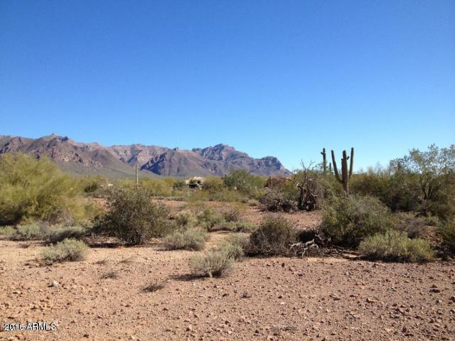 300 S Sixshooter Road, Apache Junction, AZ 85119