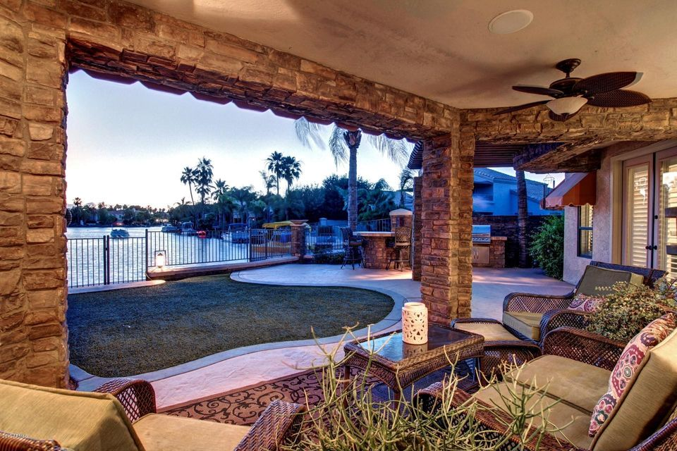 1302 N CRYSTAL SHORES --, Gilbert, AZ 85234