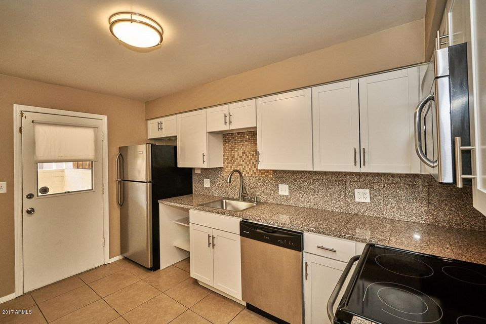 7301 E RANCHO VISTA Drive Unit 2 Scottsdale, AZ 85251 - MLS #: 5606953
