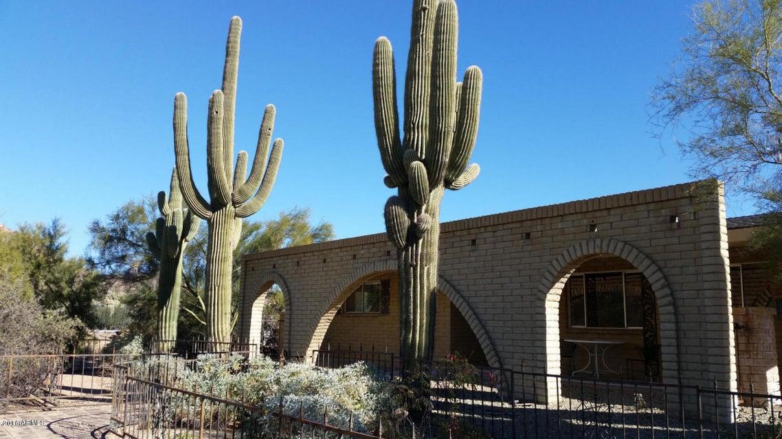 306 E FRONTIER Street, Apache Junction, AZ 85119