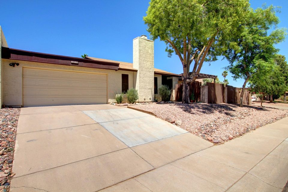 8718 E PORTLAND Street, Scottsdale, AZ 85257