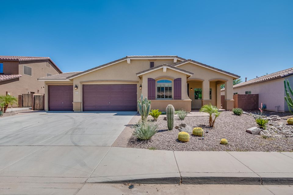 697 W BASSWOOD Avenue, San Tan Valley, AZ 85140