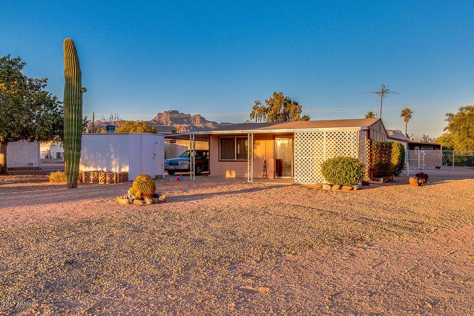 2295 S DESCANSO Road, Apache Junction, AZ 85119