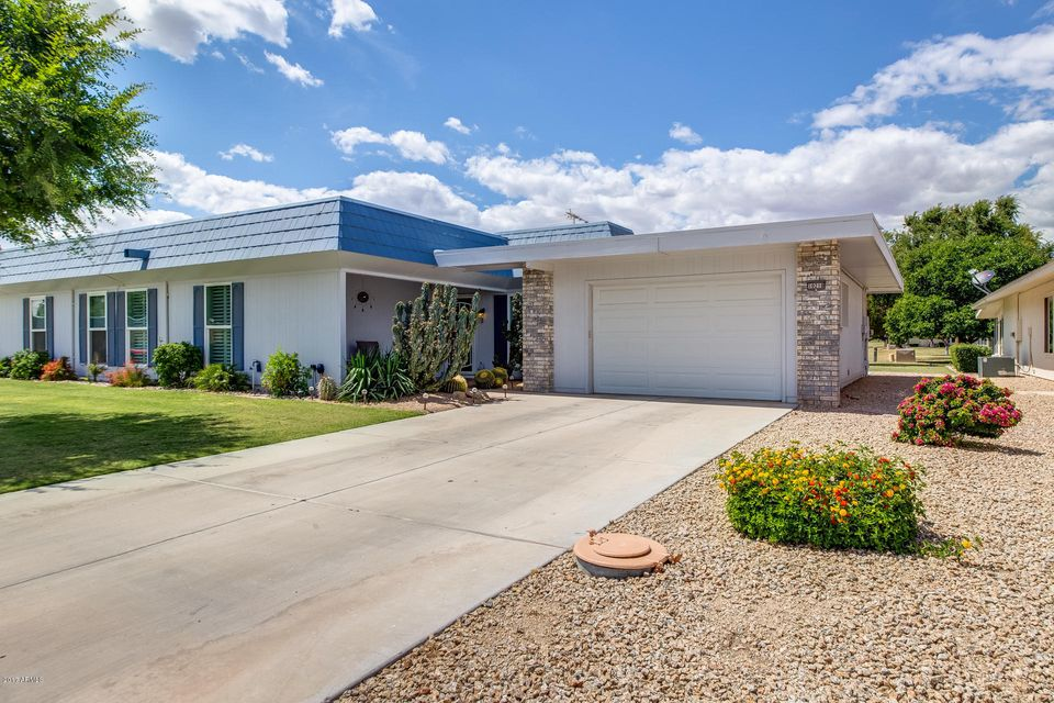 10218 W HIGHWOOD Lane, Sun City, AZ 85373