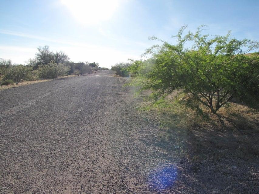 W unknown 506-21-004 Road Lot 20, Tonopah, AZ 85354