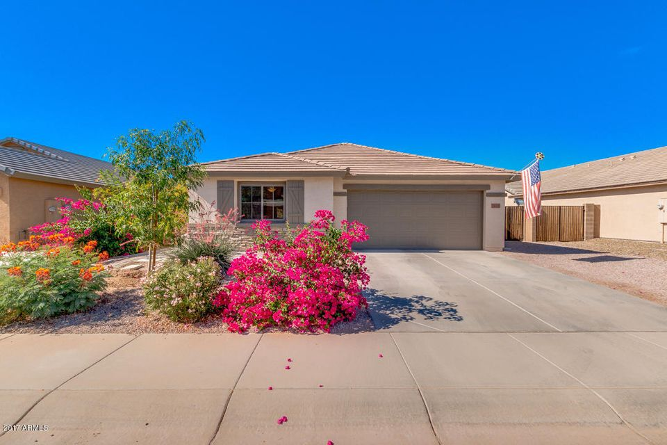 2022 W HALF MOON Circle, San Tan Valley, AZ 85142