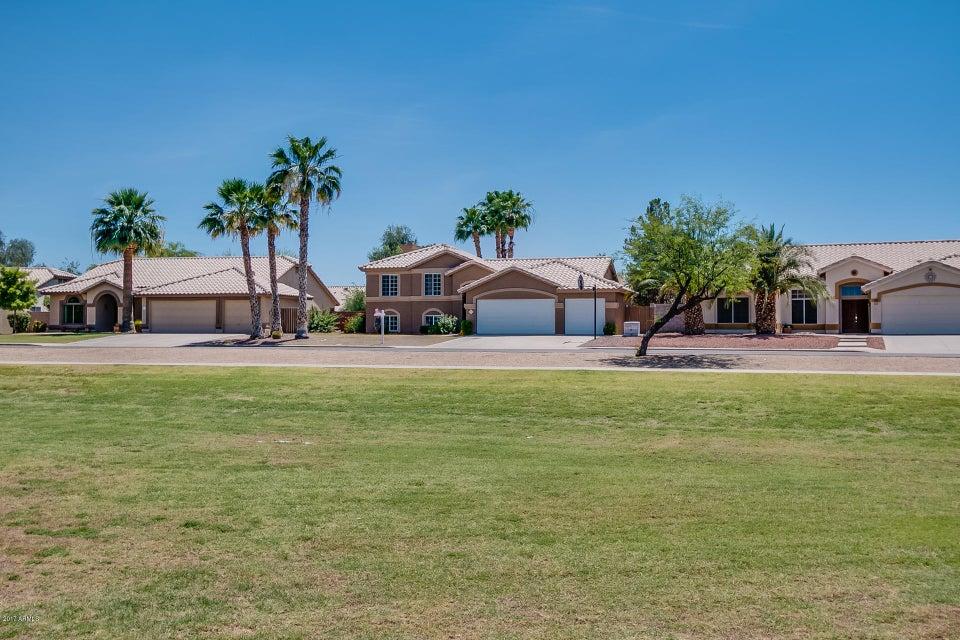 MLS 5596044 1161 E THATCHER Boulevard, Chandler, AZ 85225 Chandler AZ REO Bank Owned Foreclosure
