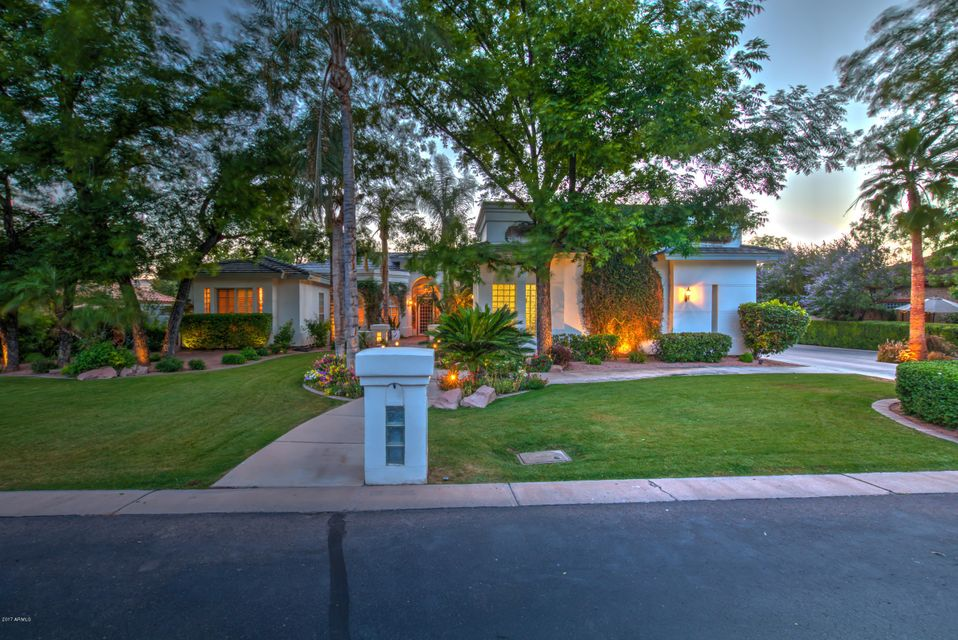 54 N LA ARBOLETA Drive, Gilbert, AZ 85234