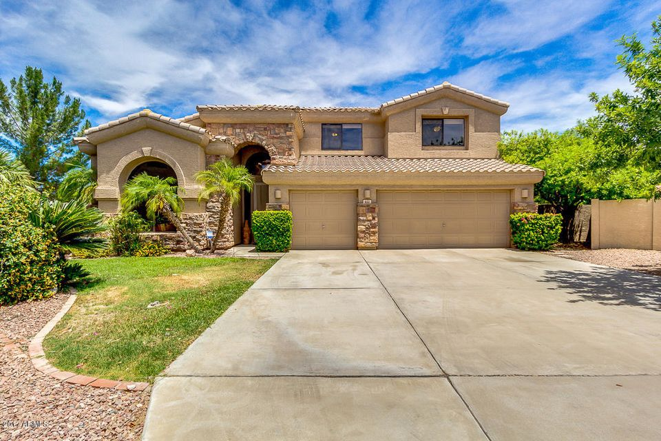 612 W HONEYSUCKLE Drive, Chandler, AZ 85248