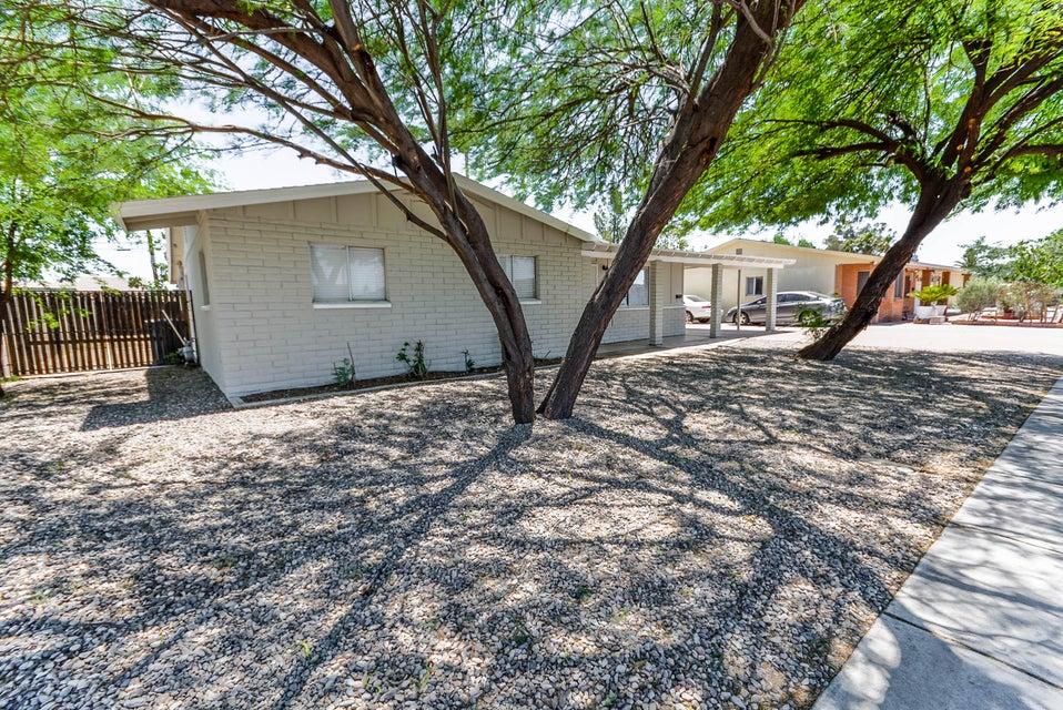 299 N COMANCHE Drive, Chandler, AZ 85224