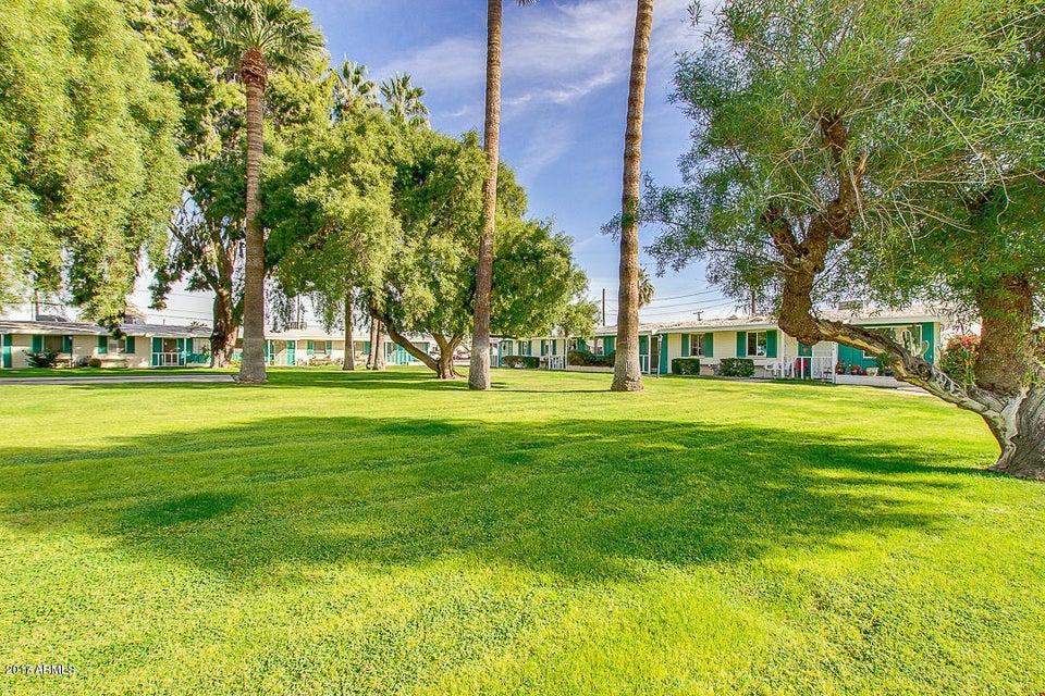 10410 W OAKMONT Drive, Sun City, AZ 85351