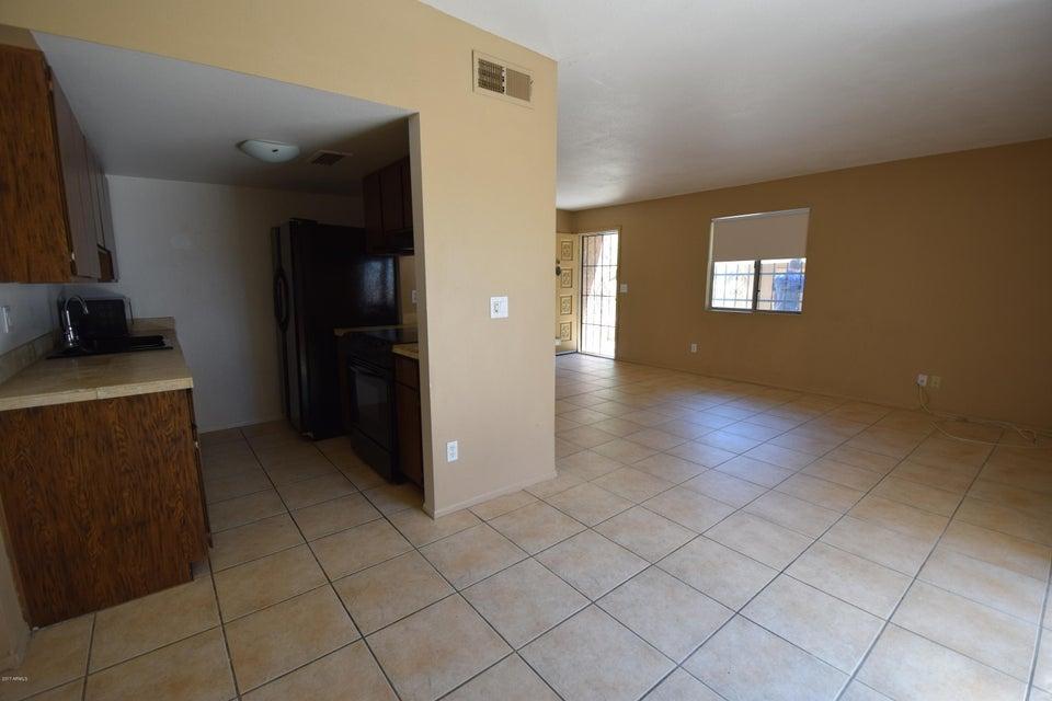 10221 N 8th Street, Phoenix, AZ 85020
