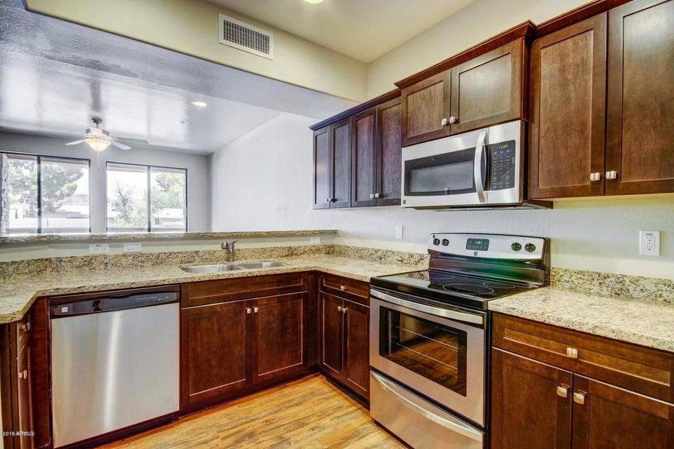 21655 N 36TH Avenue 106, Glendale, AZ 85308