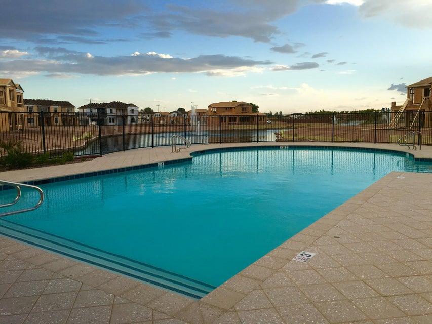 MLS 5614312 923 W Kaibab Drive, Chandler, AZ Community Pool