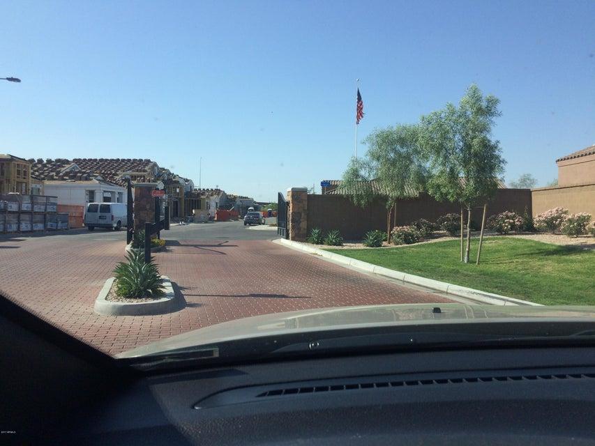 1022 W IVYGLEN Street, Mesa, AZ 85201