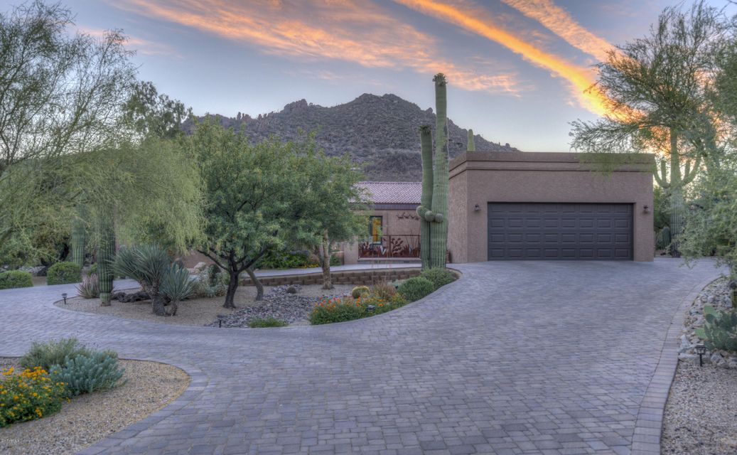 2202 N Sagebrush Lane, Carefree, AZ 85377