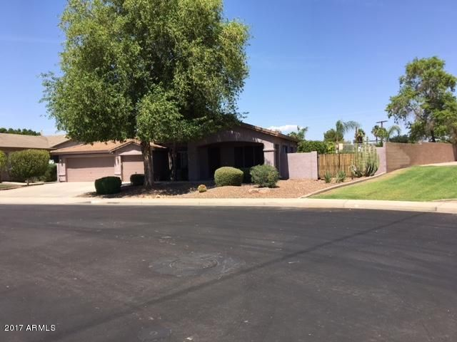 Photo of 601 N ROANOKE Circle, Mesa, AZ 85205