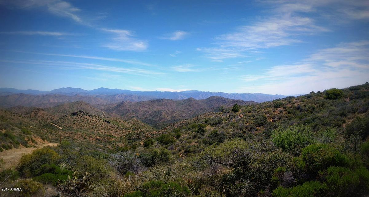 000 Buckhorn Road, Wickenburg, AZ 85390