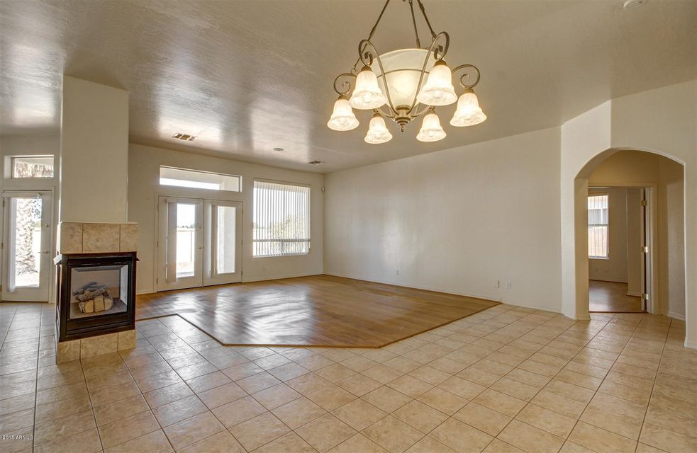 1584 W LAUREL Avenue Gilbert, AZ 85233 - MLS #: 5615649