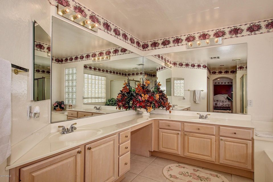 MLS 5617036 500 W ROADRUNNER Drive, Chandler, AZ Carino Estates